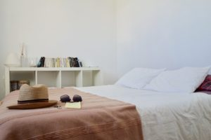 Décoration épurée - Bien décorer sa chambre et l'optimiser pour un bon sommeil