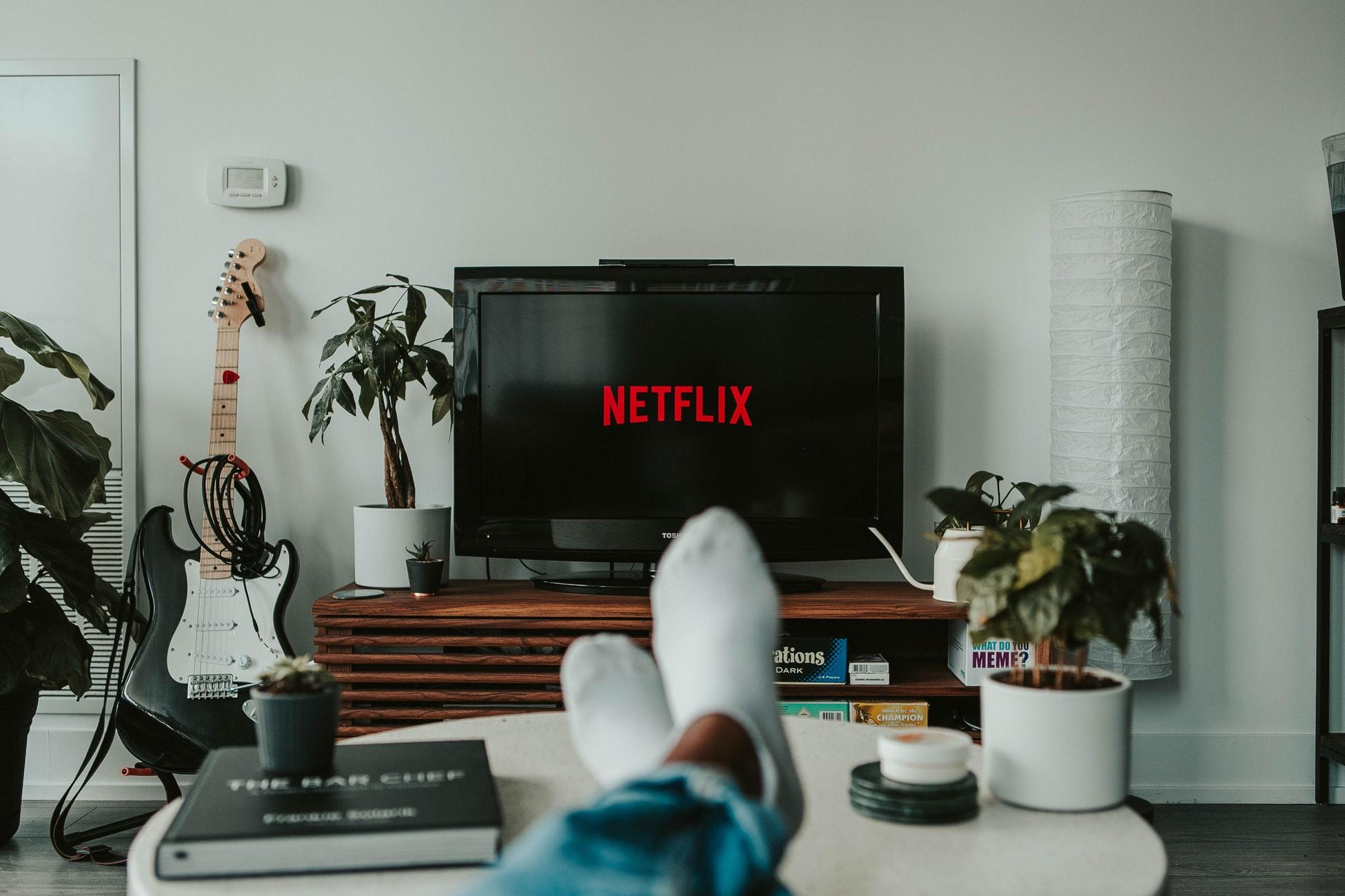 Que faire pendant le confinement ? Regarder Netflix
