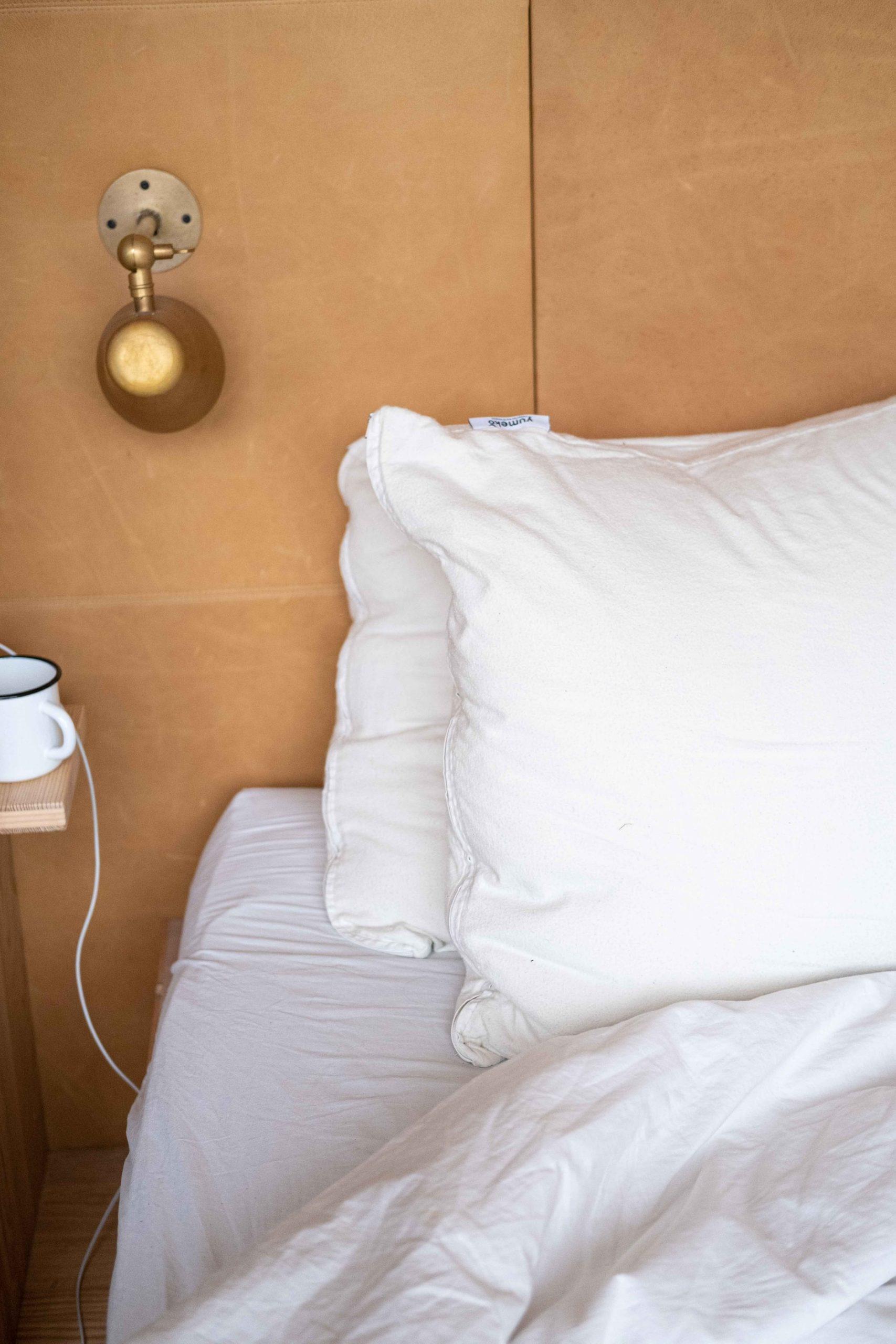 Choix de l'oreiller : le soutien ferme ou souple